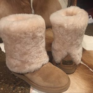 Uggs Limited Edition like New Gorgeous Size 5